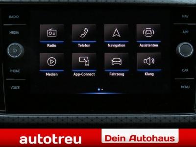 VW T-Cross Style Climatronic 2xParkpilot Voll LED Navi Winterpak Dachreling