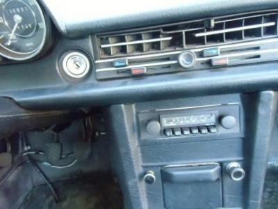 Mercedes-Benz 200 W115 /8